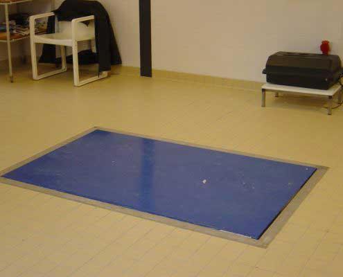 Platforma hidraulica EdmoLift Romania CCB 1000B Curatare pat de spital