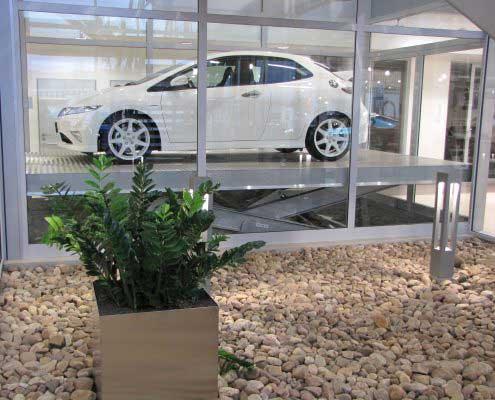 Platforma hidraulica EdmoLift Romania TO 4000 Showroom auto pe doua nivele